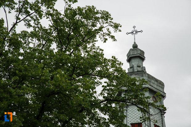 turnul-de-la-biserica-sapunaru-nasterea-maicii-domnului-1783-din-focsani-judetul-vrancea.jpg
