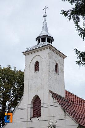 turnul-de-la-biserica-sf-anton-de-padova-din-zarnesti-judetul-brasov.jpg