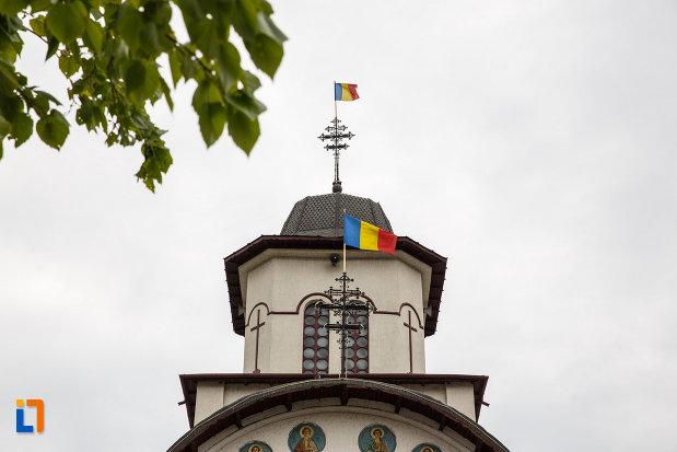 turnul-de-la-biserica-sf-apostoli-petru-si-pavel-din-ramnicu-valcea-judetul-valcea.jpg