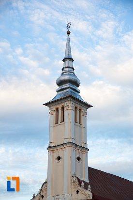 turnul-de-la-biserica-sf-arhangheli-satulung-din-sacele-judetul-brasov.jpg