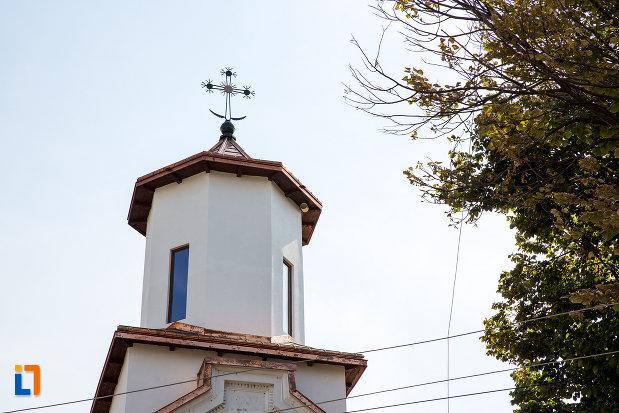 turnul-de-la-biserica-sf-constantin-si-elena-volna-1865-din-calarasi.jpg