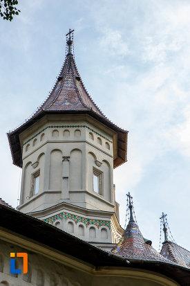 turnul-de-la-biserica-sf-gheorghe-1522-din-suceava-judetul-suceava.jpg