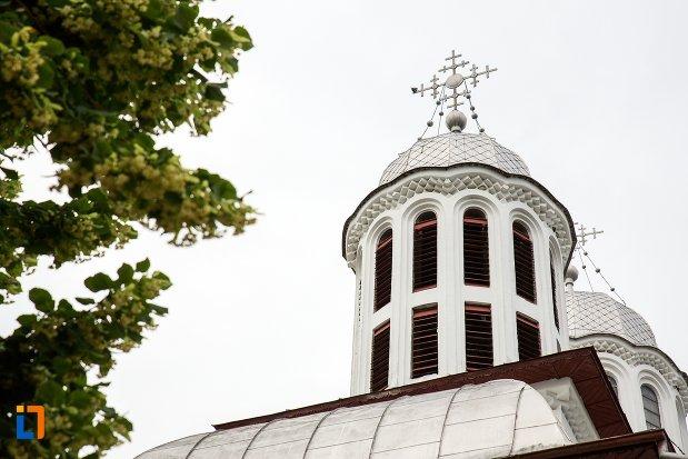 turnul-de-la-biserica-sf-gheorghe-din-curtea-de-arges-judetul-arges.jpg