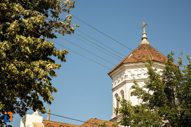 turnul-de-la-biserica-sf-mina-din-braila-judetul-braila.jpg
