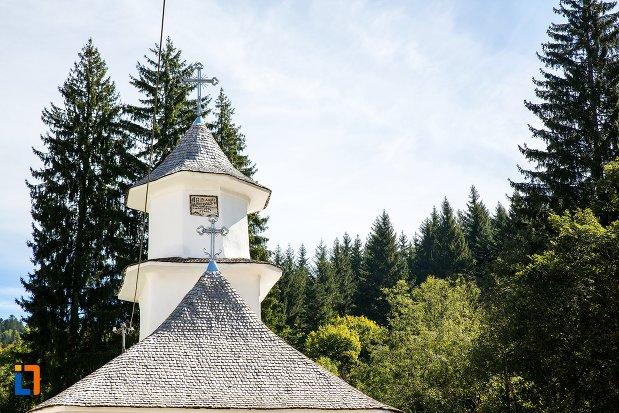 turnul-de-la-biserica-sf-nicolae-1818-din-predeal-judetul-brasov.jpg