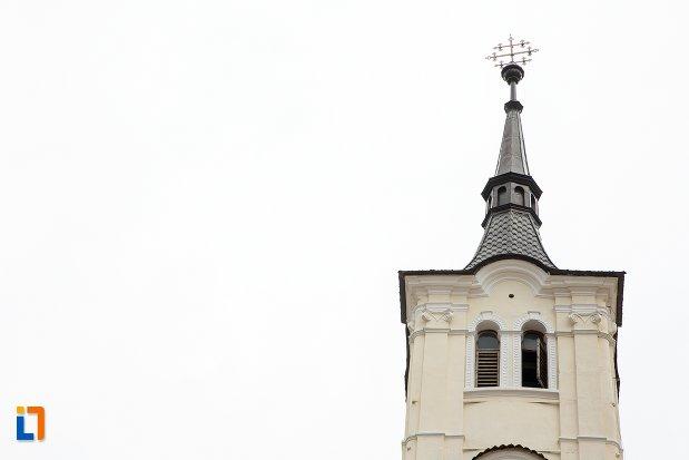 turnul-de-la-biserica-sf-nicolae-baciu-din-sacele-judetul-brasov.jpg