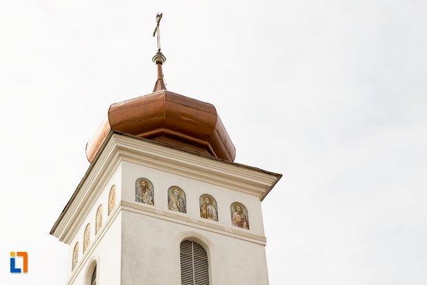 turnul-de-la-biserica-sf-nicolae-din-aiud-judetul-alba.jpg