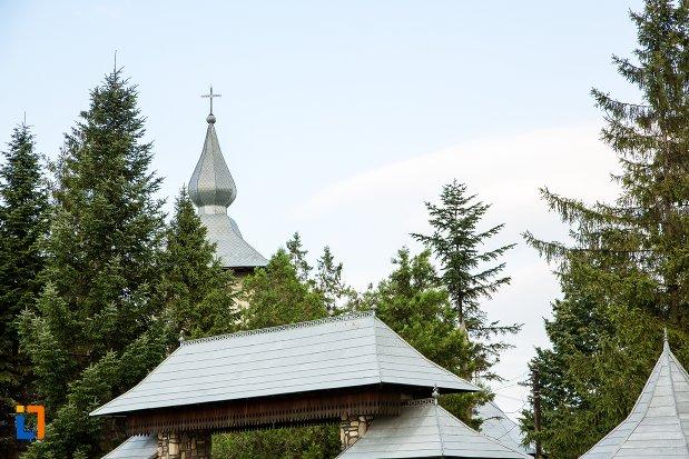 turnul-de-la-biserica-sf-nicolae-din-bucecea-judetul-botosani.jpg