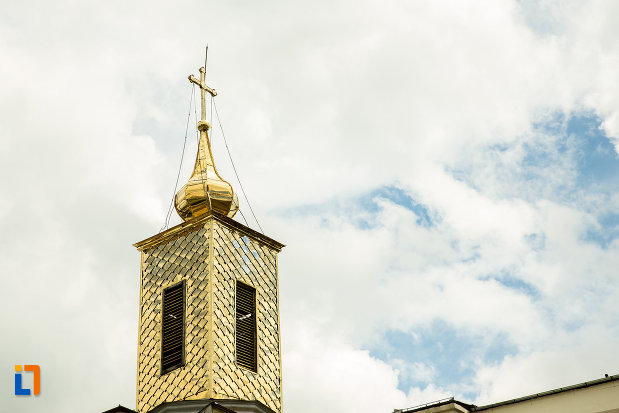turnul-de-la-biserica-sf-treime-din-caracal-judetul-olt.jpg