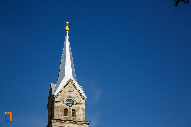 turnul-de-la-biserica-sf-vendelin-din-jimbolia-judetul-timis.jpg