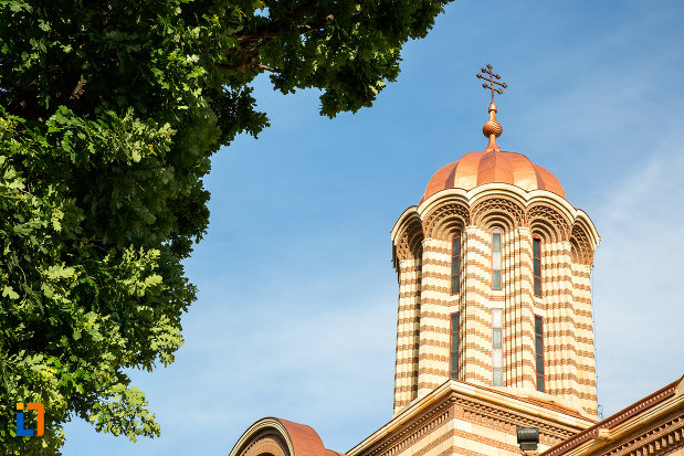 turnul-de-la-catedrala-mitropolitana-inaltarea-domnului-din-targoviste-judetul-dambovita.jpg