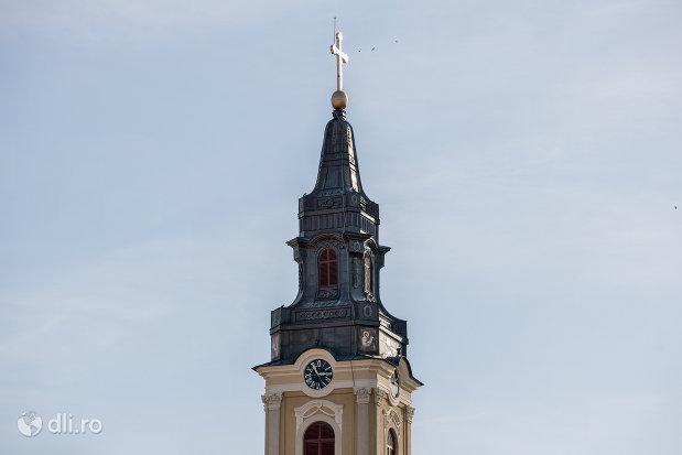 turnul-de-la-catedrala-ortodoxa-adormirea-maicii-domnului-biserica-cu-luna-din-oradea-judetul-bihor.jpg
