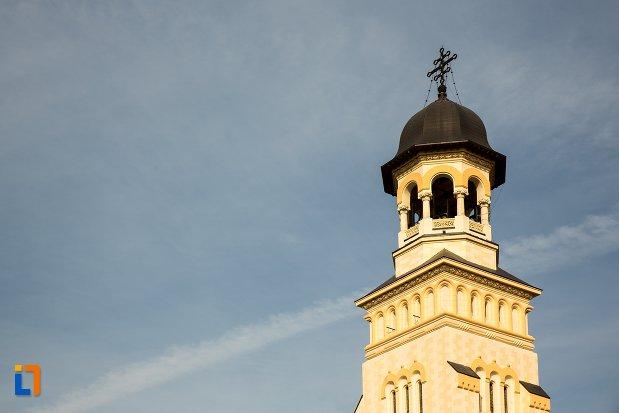turnul-de-la-catedrala-reintregirii-din-alba-iulia-judetul-alba.jpg
