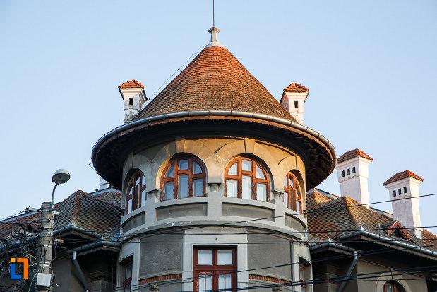 turnul-de-la-muzeul-de-arta-populara-din-tulcea-judetul-tulcea.jpg