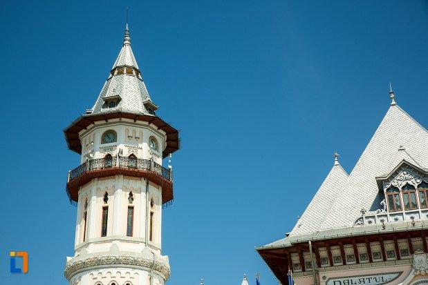 turnul-de-la-palatul-comunal-din-buzau-judetul-buzau.jpg