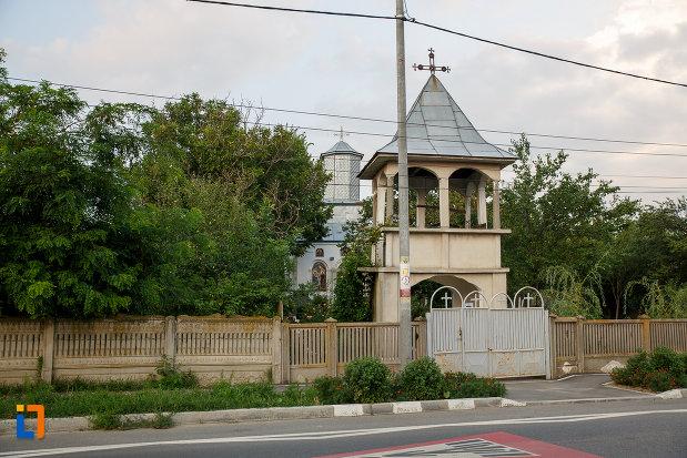 turnul-de-poarta-de-la-biserica-sf-cruce-1849-din-rosiorii-de-vede-judetul-teleorman.jpg