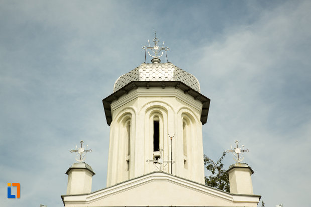 turnul-principal-al-bisericii-sf-dumitru-si-stefan-din-bals-judetul-olt.jpg