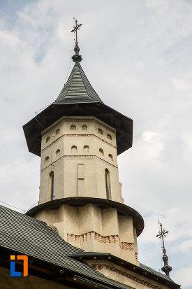 turnul-principal-de-la-biserica-sf-nicolae-prajescu-1611-din-suceava-judetul-suceava.jpg