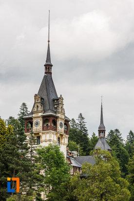 turnul-principal-de-la-castelul-peles-din-sinaia-judetul-prahova.jpg