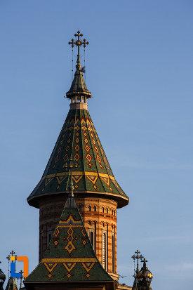 turnul-principal-de-la-catedrala-ortodoxa-sf-trei-ierarhi-din-timisoara-judetul-timis.jpg