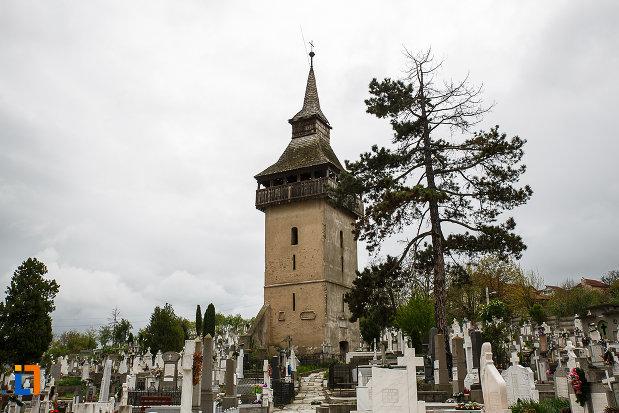 turnul-vechii-biserici-ortodoxe-1700-din-deva-judetul-hunedoara.jpg