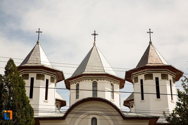 turnuri-de-la-biserica-ortodoxa-din-teius-judetul-alba.jpg