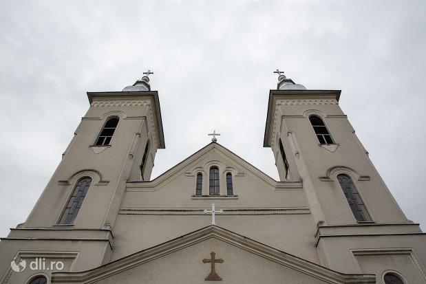 turnuri-de-la-biserica-ortodoxa-nasterea-sfantului-ioan-botezatorul-din-hideaga-judetul-maramures.jpg