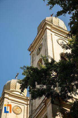 turnuri-de-la-biserica-sf-apistoli-petru-si-pavel-sf-cuvioasa-paraschiva-din-braila-judetul-braila.jpg