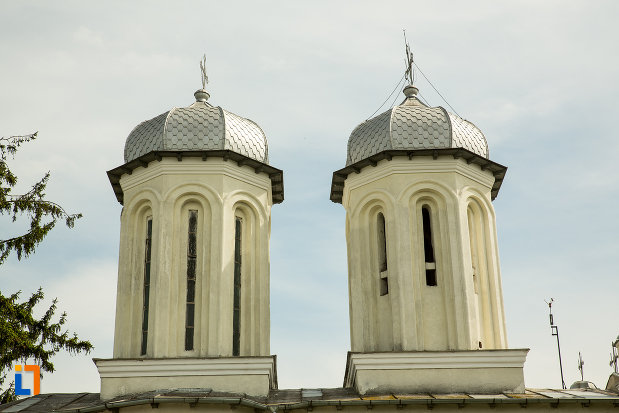 turnuri-de-la-biserica-sf-dumitru-si-stefan-din-bals-judetul-olt.jpg