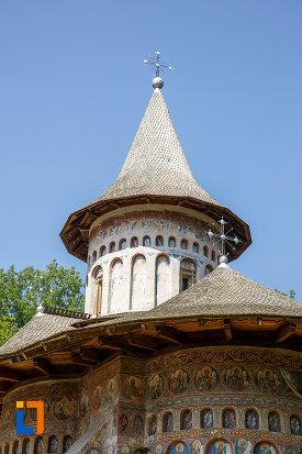 turnuri-de-la-manastirea-voronet-judetul-suceava.jpg