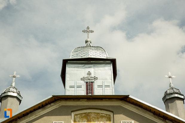 turnurile-de-la-biserica-adormirea-maicii-domnului-din-corbeni-judetul-olt.jpg