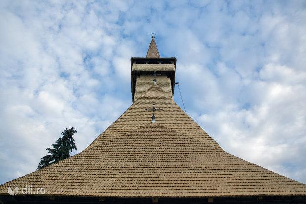 turnurile-de-la-biserica-de-lemn-cuvioasa-paraschiva-din-botiza-judetul-maramures.jpg