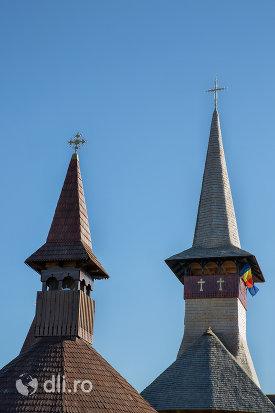 turnurile-de-la-biserica-de-lemn-ortodoxa-din-baia-sprie-judetul-maramures.jpg