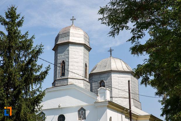 turnurile-de-la-biserica-sf-nicolae-1858-din-cazanesti-judetul-ialomita.jpg