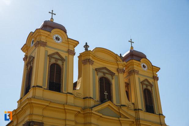 turnurile-de-la-domul-romano-catolic-din-timisoara-judetul-timis.jpg