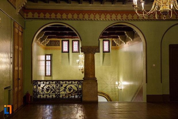ultimul-nivel-din-castelul-cantacuzino-din-busteni-judetul-prahova.jpg