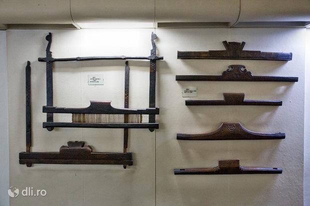 unelte-de-mestesugit-muzeul-etnografic-al-maramuresului-din-sighetu-marmatiei-judetul-maramures.jpg