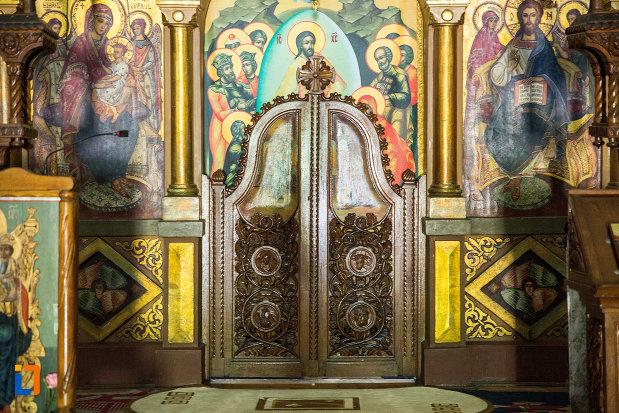 usa-de-altar-catedrala-ortodoxa-sf-gheorghe-din-tecuci-judetul-galati.jpg
