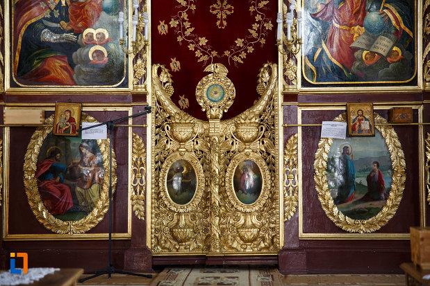 usa-de-altar-de-la-biserica-sf-gheorghe-din-tulcea-judetul-tulcea.jpg