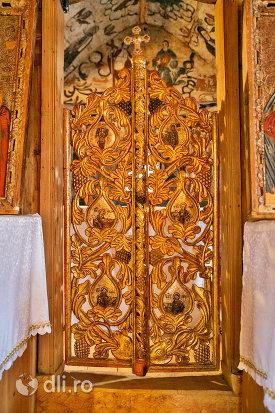usa-de-altar-din-biserica-de-lemn-sf-arhangheli-din-borsa-judetul-maramures.jpg
