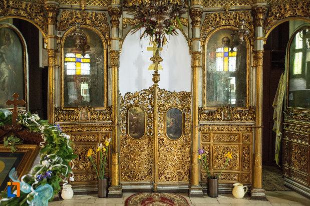 usa-de-altar-din-biserica-grecescu-din-drobeta-turnu-severin-judetul-mehedinti.jpg