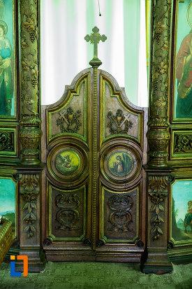 usa-de-altar-din-biserica-sf-nicolae-din-slatina-judetul-olt.jpg