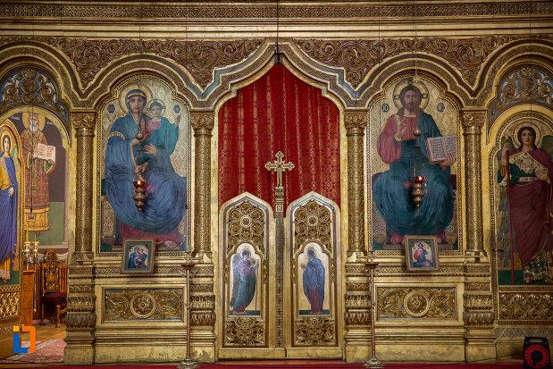 usa-de-altar-din-catedrala-mitropolitana-sf-treime-din-sibiu-judetul-sibiu.jpg