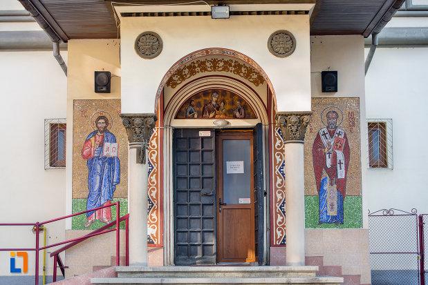 usa-de-intrare-in-biserica-ortodoxa-sf-nicolae-din-cluj-napoca-judetul-cluj.jpg
