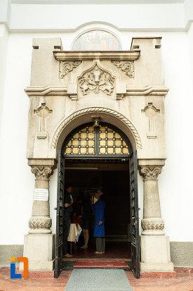 usa-de-la-biserica-adormirea-maicii-domnului-mavromol-din-galati-judetul-galati.jpg