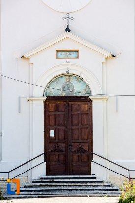 usa-de-la-biserica-ortodoxa-sf-nicolae-1384-din-rasnov-judetul-brasov.jpg