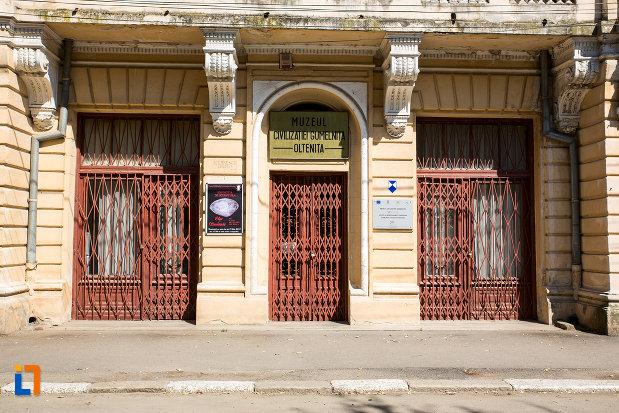 usa-de-la-muzeul-de-arheologie-din-oltenita-judetul-calarasi.jpg
