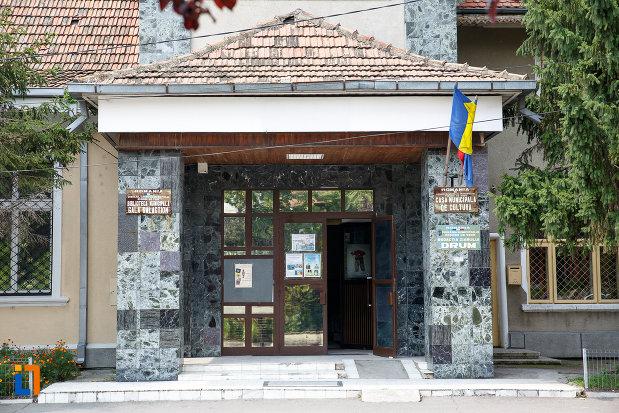 usa-de-la-muzeul-municipal-de-istorie-din-rosiori-de-vede-judetul-teleorman.jpg