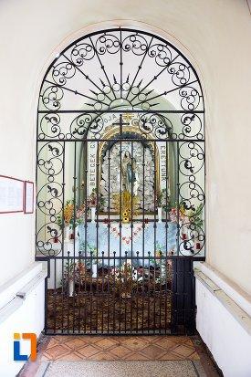 usa-din-fier-forjat-biserica-sf-elisabeta-a-ungariei-manastirea-minorita-din-aiud-judetul-alba.jpg