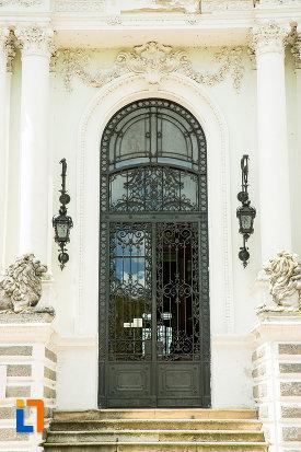 usa-din-fier-forjat-muzeul-de-arta-si-arta-populara-palatul-marincu-din-calafat-judetul-dolj.jpg